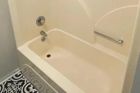 how to fix hairline crack in fiberglass tub